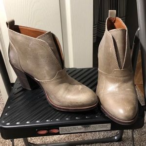 NWT Lucky brand Rustic Booties in size 8